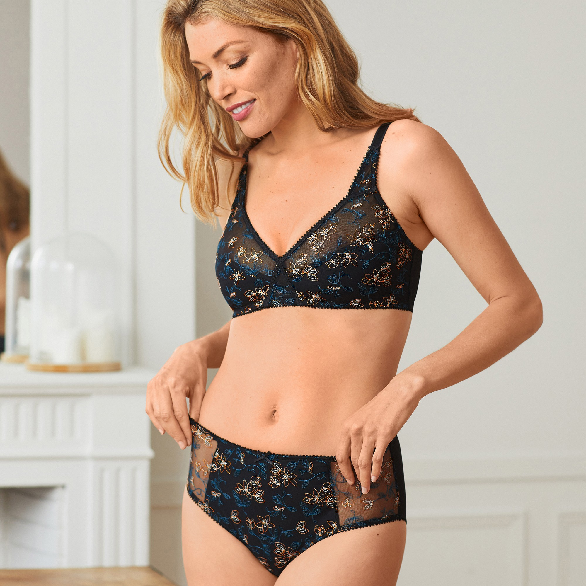 soutien gorge invisible elegance de playtex avec armatures blancheporte. Black Bedroom Furniture Sets. Home Design Ideas