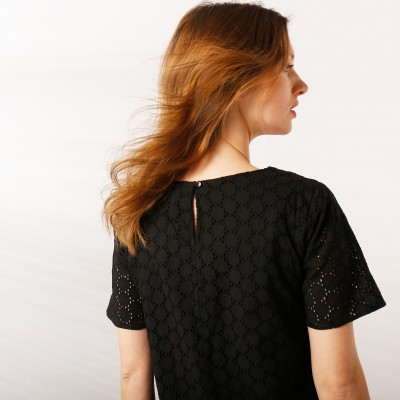 Robe noire broderie anglaise  : Vue zoom matière