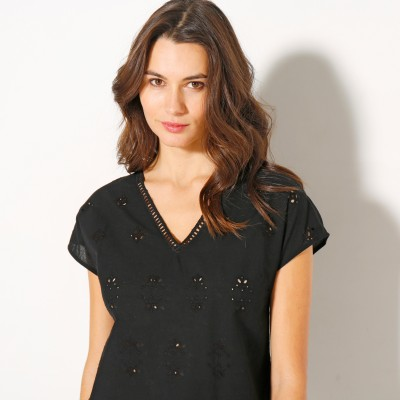 Blouse col V broderie anglaise  : Vue zoom matière