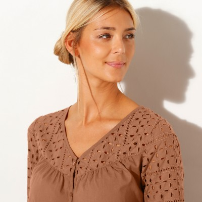 Blouse manches 3/4 broderie anglaise  : Vue zoom matière