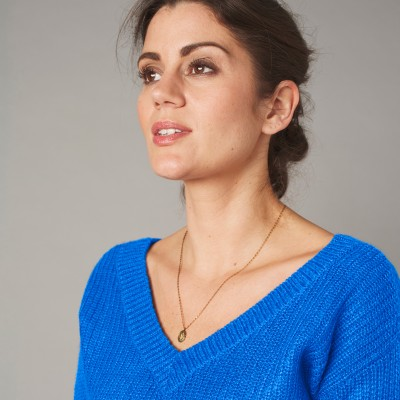 Pull col V forme loose maille anglaise  : Vue zoom matière