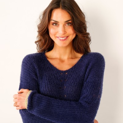 Pull col V maille perlée  : Vue zoom matière