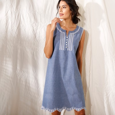 Robe chambray brodée