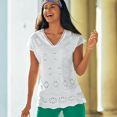 Blouse col V broderie anglaise