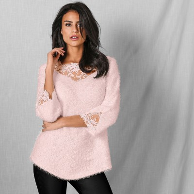 Pull maille douceur dentelle manches 3/4