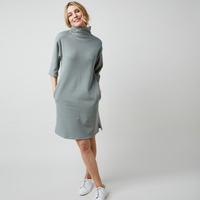 Robe maille piquée col montant manches courtes