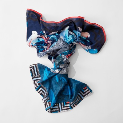 Grand foulard carré imprimé