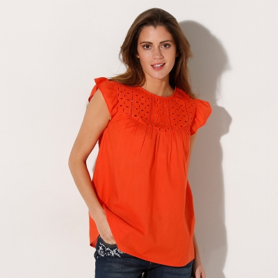 Blouse sans manches broderie anglaisie