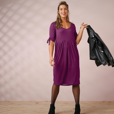 Robe unie manches coudes nouettes