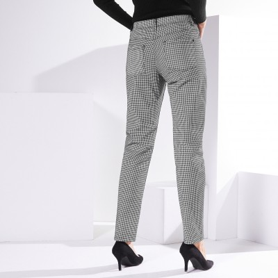 Pantalon girlfriend* imprimé Noir / blanc: Vue 4