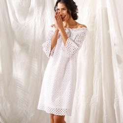 Robe courte broderie anglaise