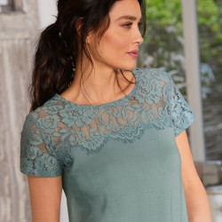 Tee-shirt dentelle col rond manches courtes